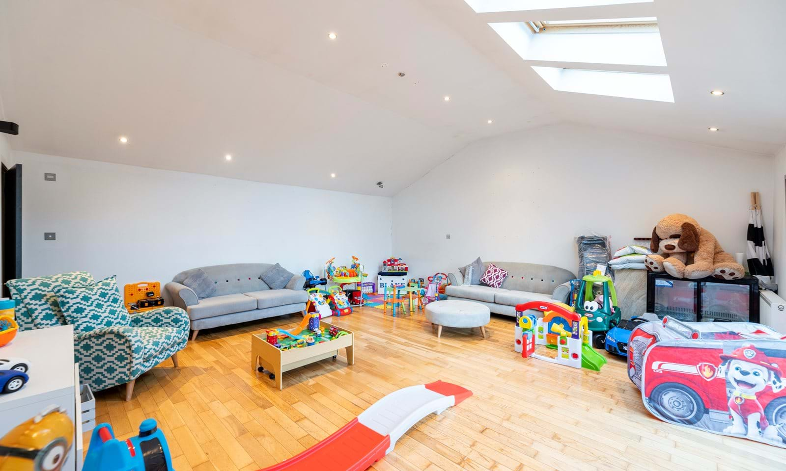 Toy/Family Room